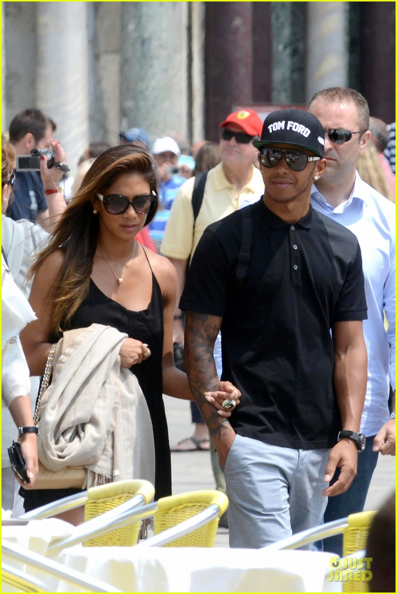 nicole scherzinger lewis hamilton look more in love 223127698