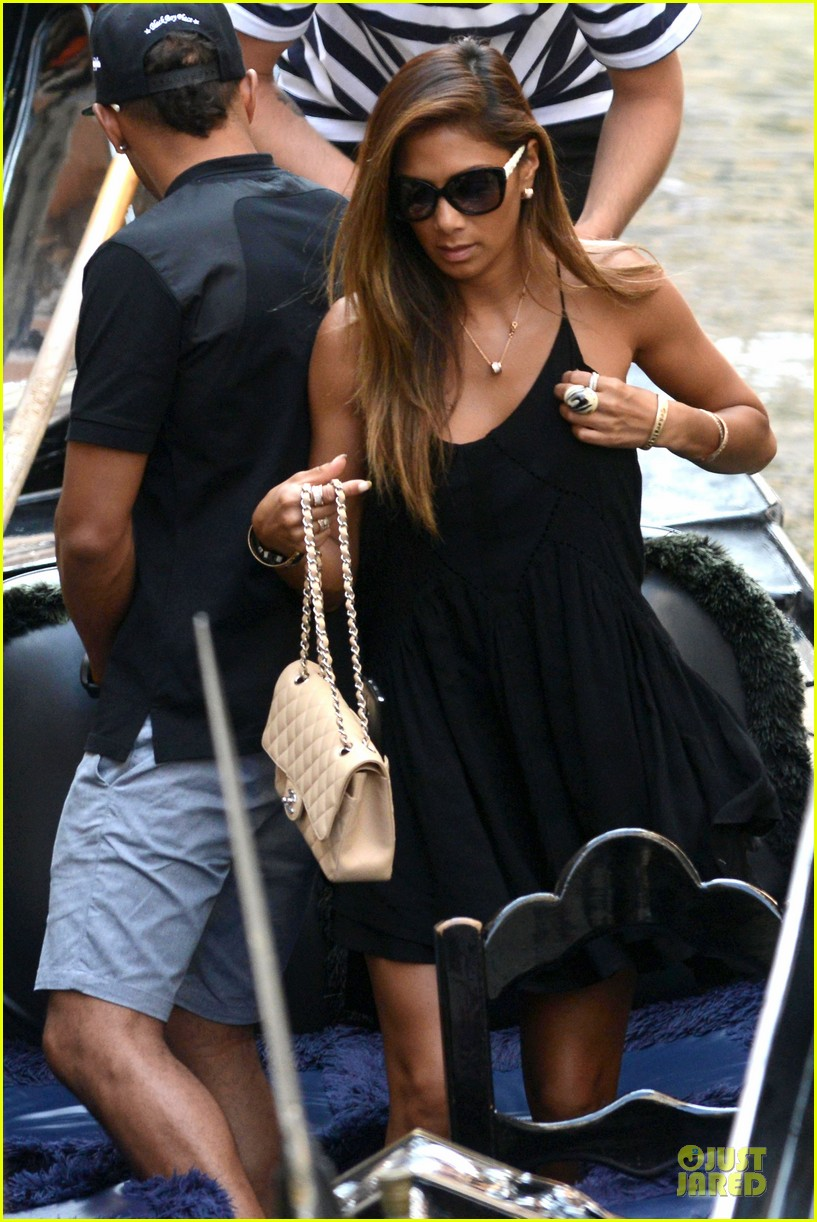 nicole scherzinger lewis hamilton look more in love 283127704