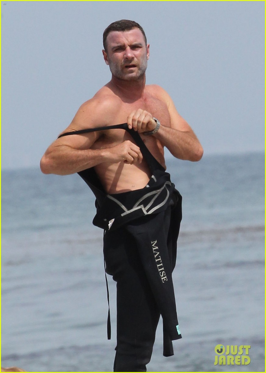 liev schreiber legs complimented by ang lee 043141712