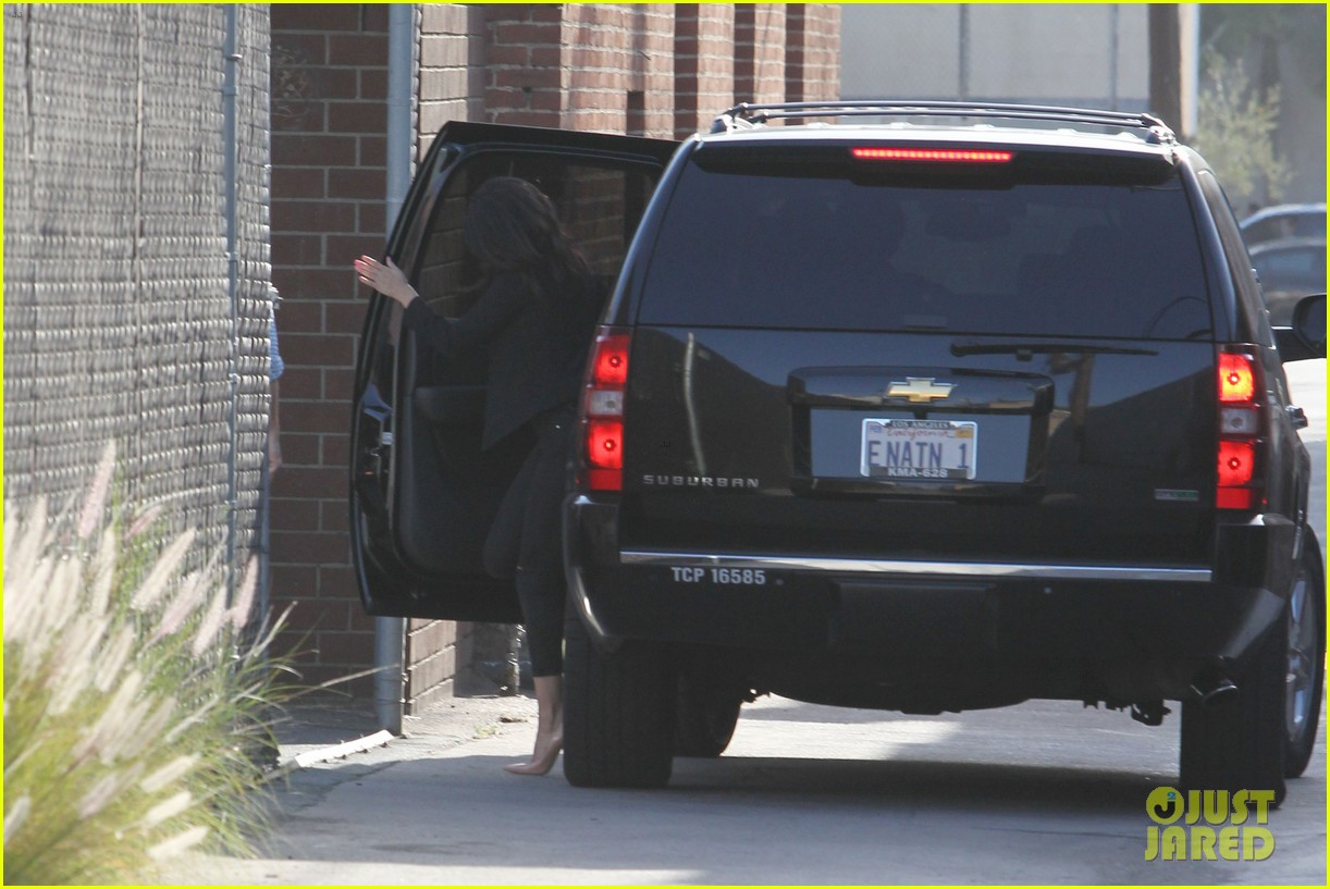 selena gomez studio justin bieber back together 113139038