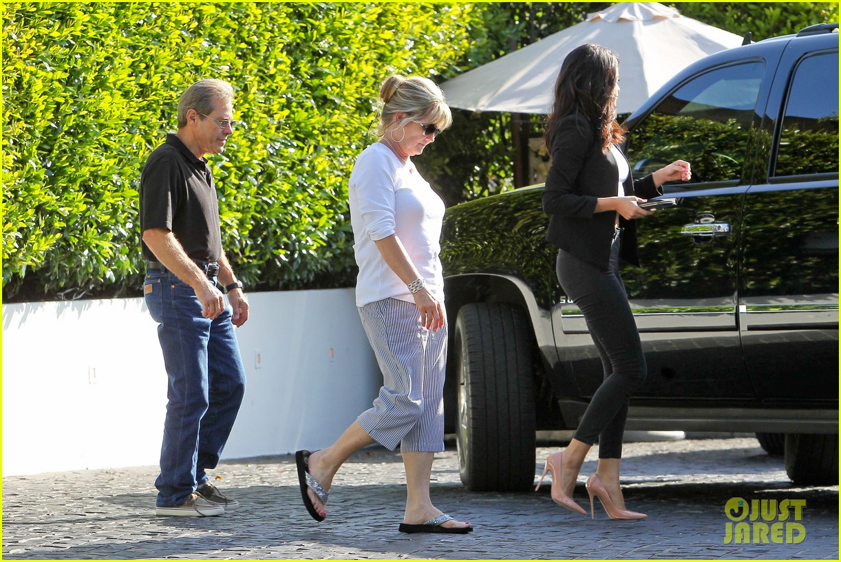 selena gomez studio justin bieber back together 323139059
