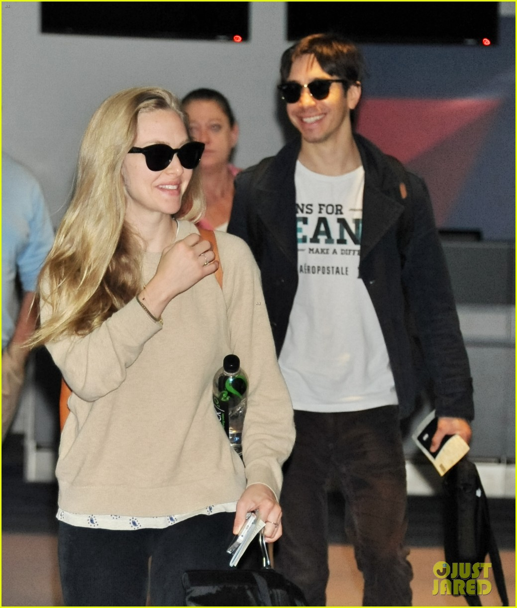 amanda seyfried touches down in tokyo for shiseido cle de peau beaute press conference 063126410