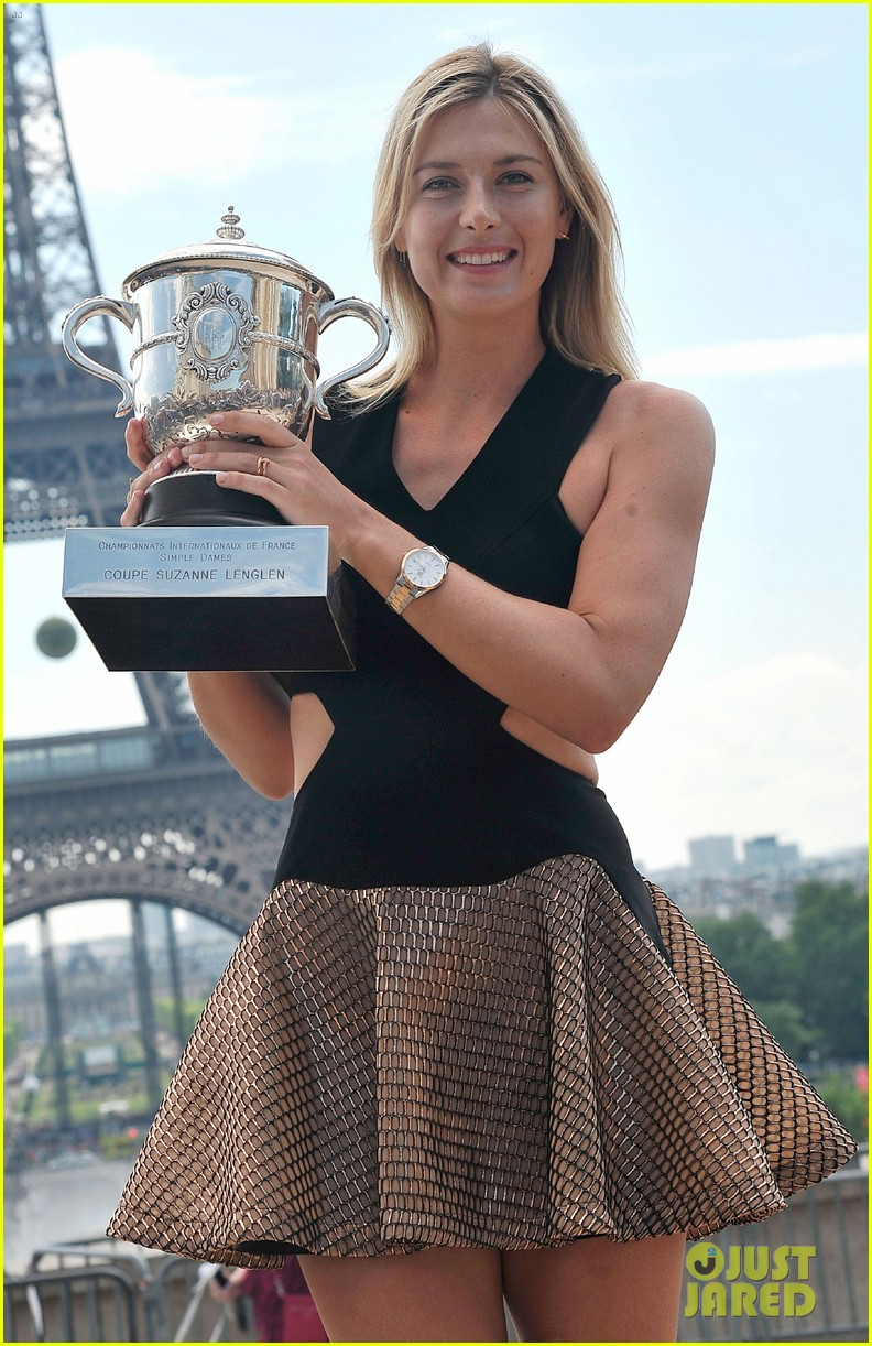 maria sharapova rafael nadal french open trophies 063131912