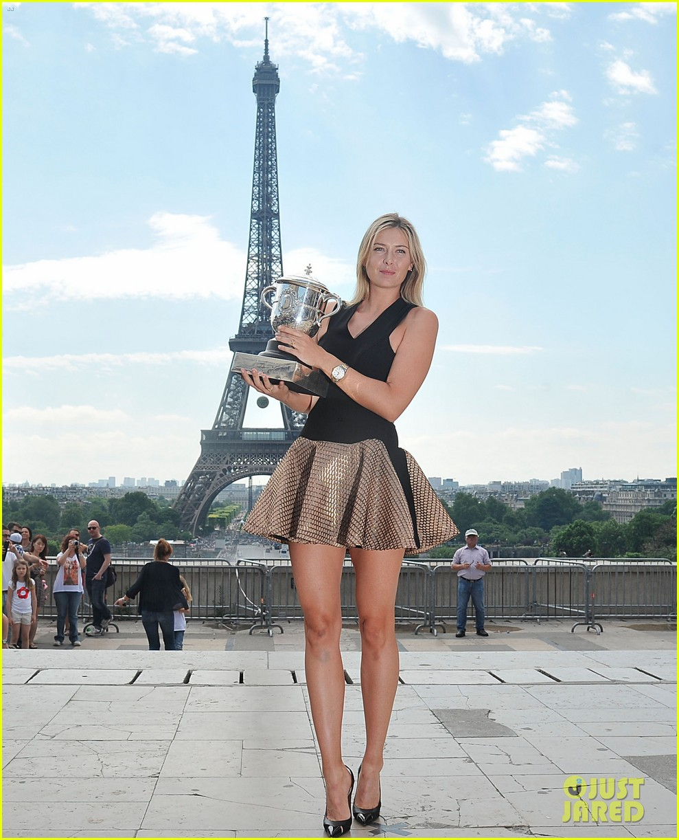 maria sharapova rafael nadal french open trophies 083131914