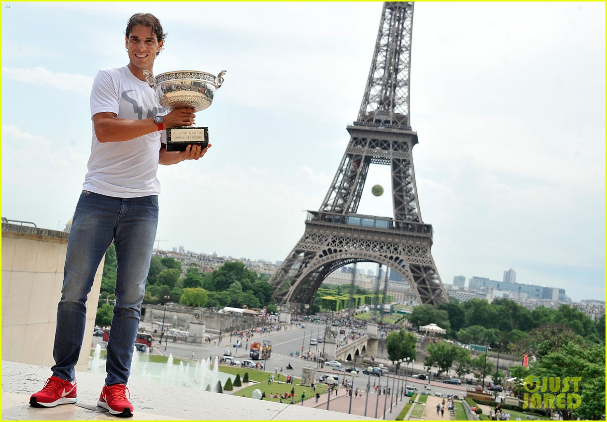 maria sharapova rafael nadal french open trophies 123131918