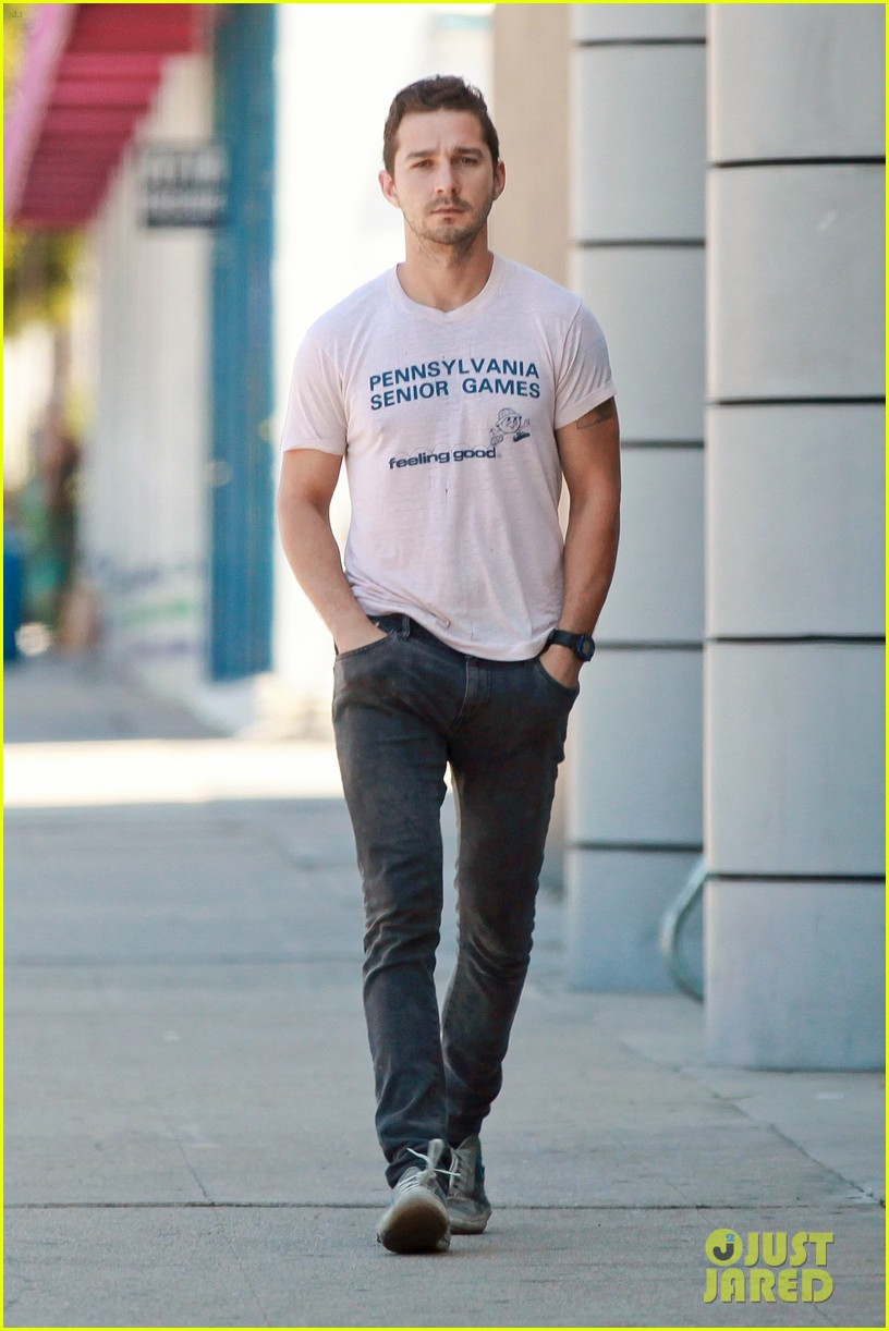 shia labeouf is feeling good en route to the gym 023128786