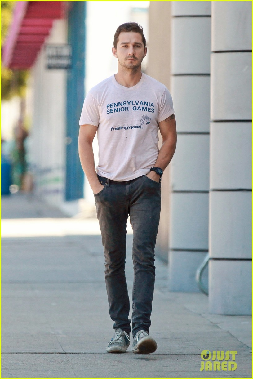 shia labeouf is feeling good en route to the gym 083128792