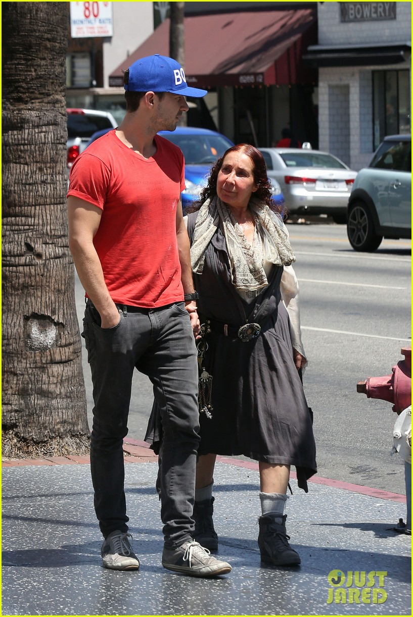 shia labeouf holds hands with his mom while out to lunch 013126057
