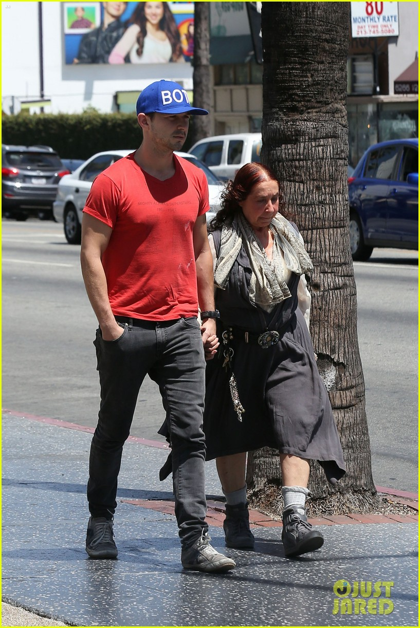 shia labeouf holds hands with his mom while out to lunch 083126064