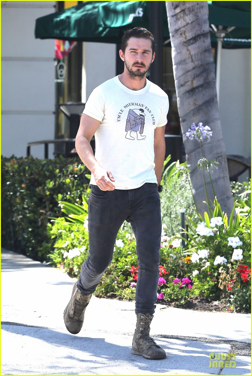 shia labeouf makes us notice flashing uncle sherman 013136836