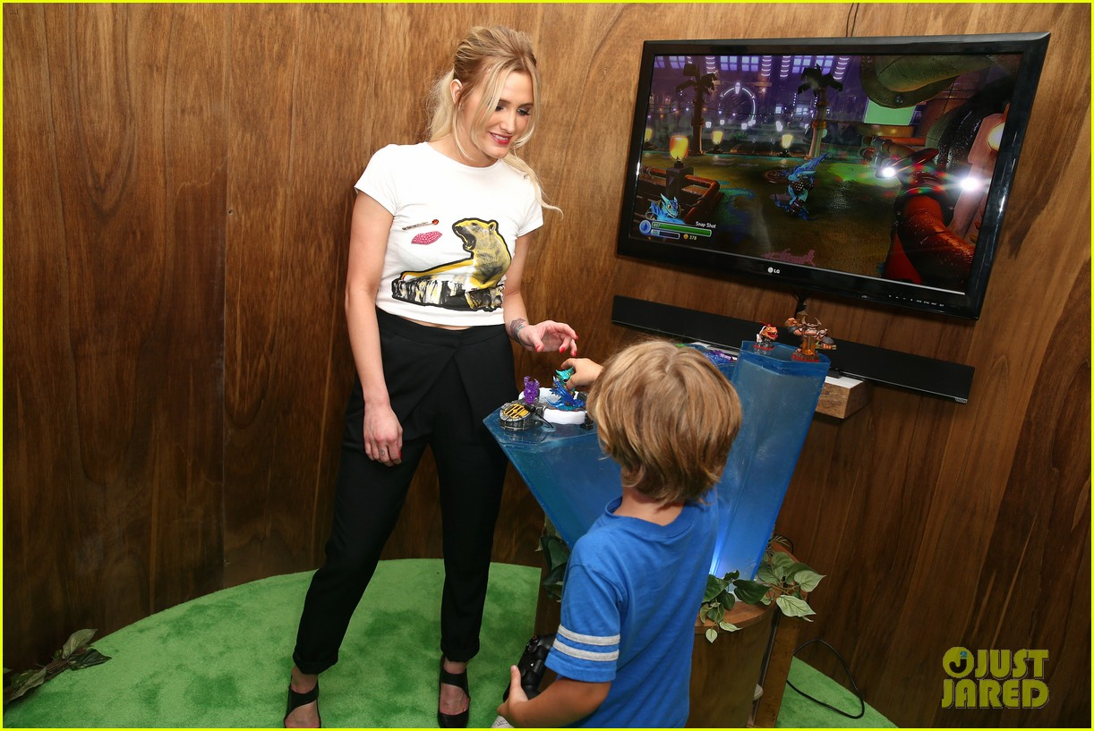 ashlee simpson son bronx growing up 033133708