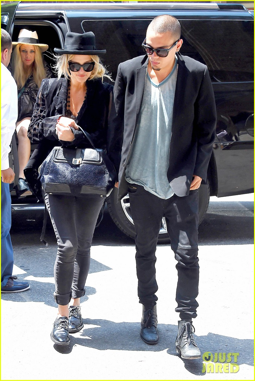 ashlee simpson evan ross say goodbye to new york city 08