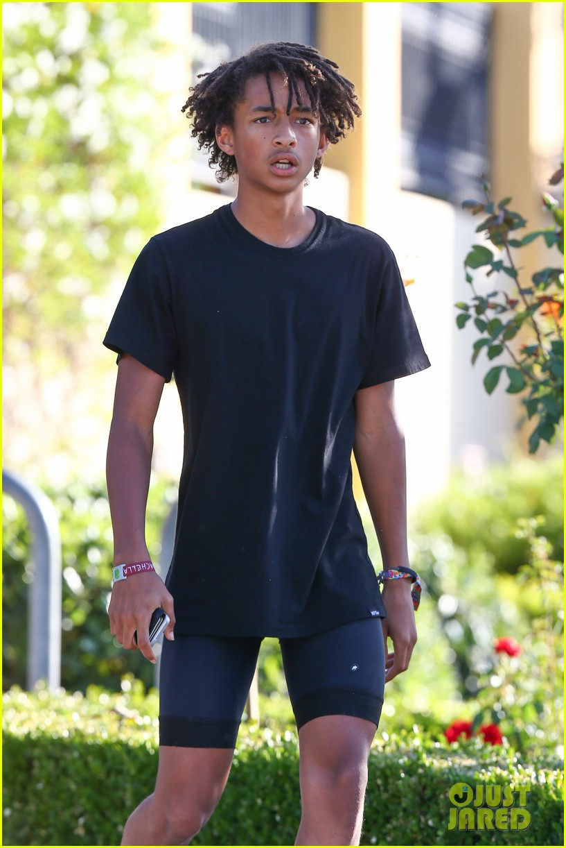 jaden smith willow smith snakes obsession us weekly 173141342