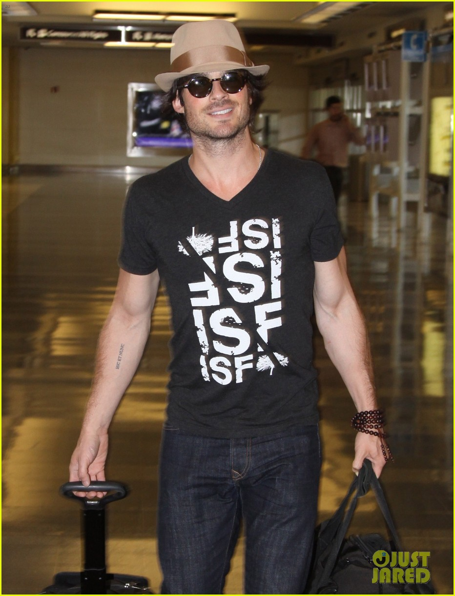 ian somerhalder definitely the hottest man in dc right now 053141916