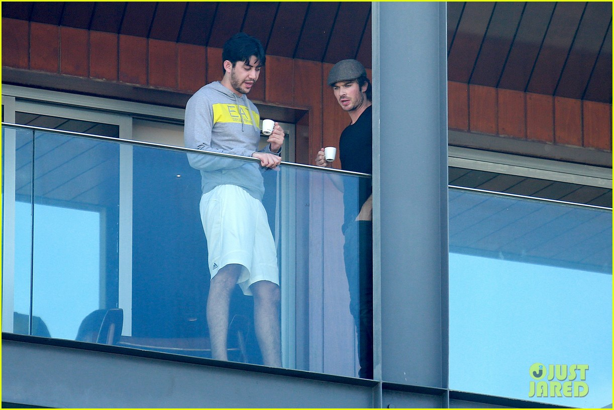 ian somerhalder tells his brazilian fans to stop screaming 093125608