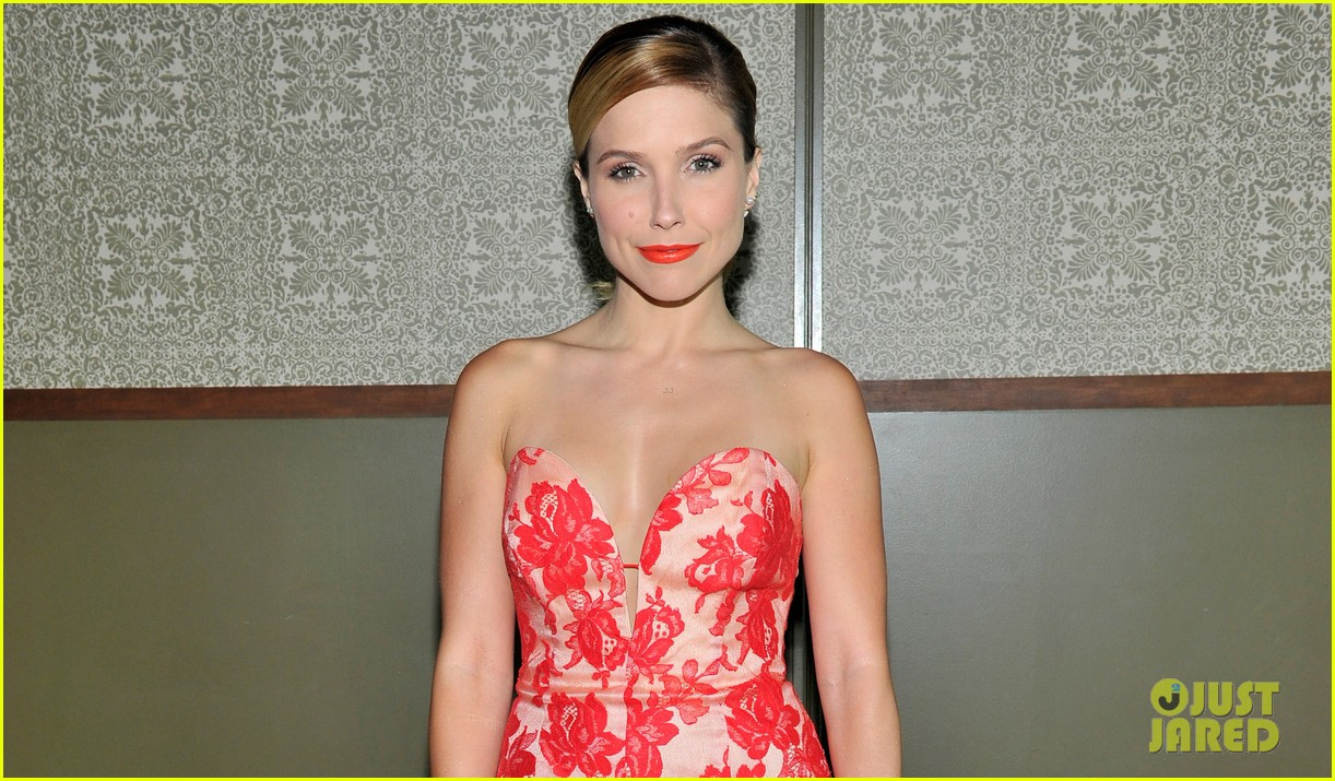 sophia bush kiernan shipka celebrate instyle new journalist 023134740
