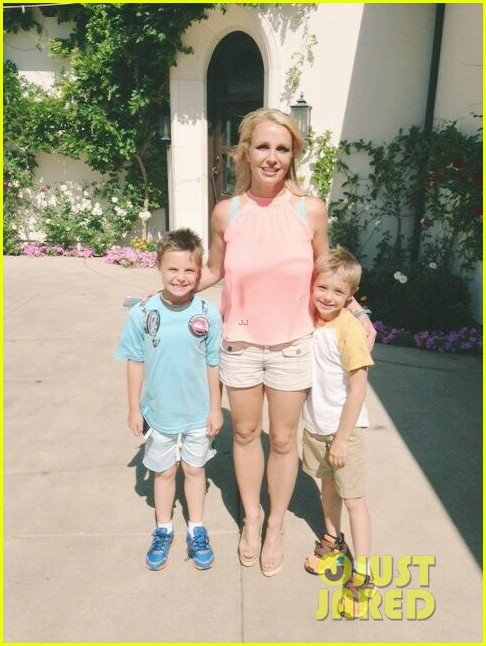 britney spears her boys are ready for summer 03