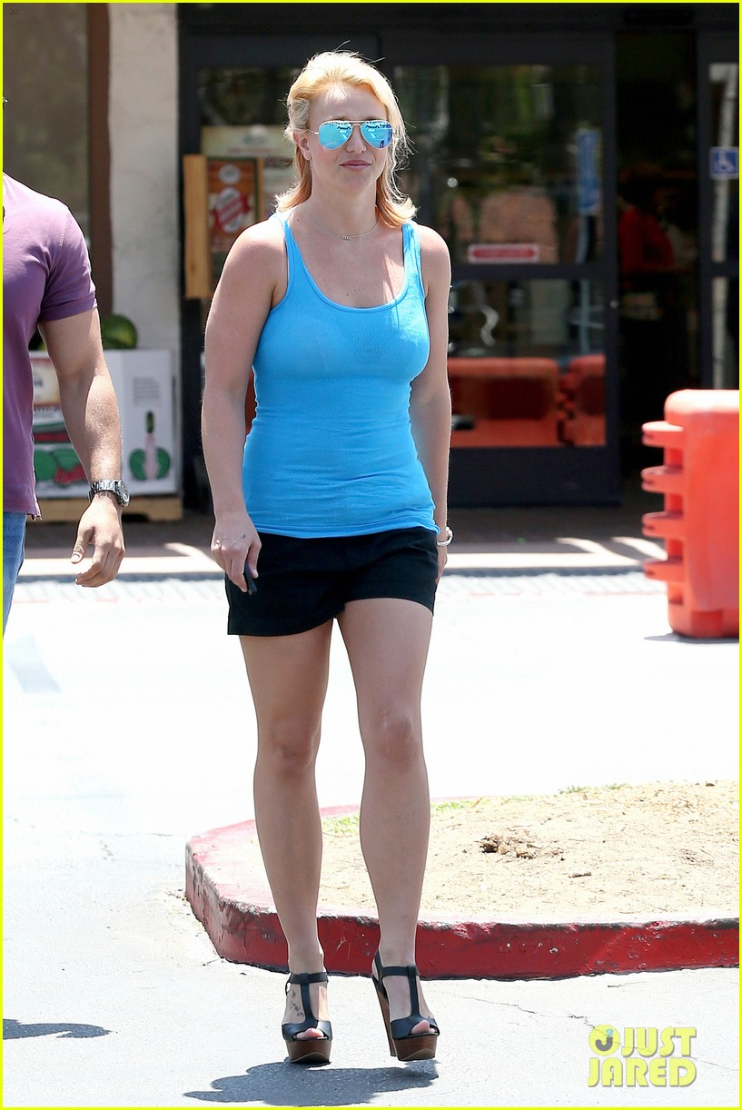 britney spears her boys are ready for summer 053143295
