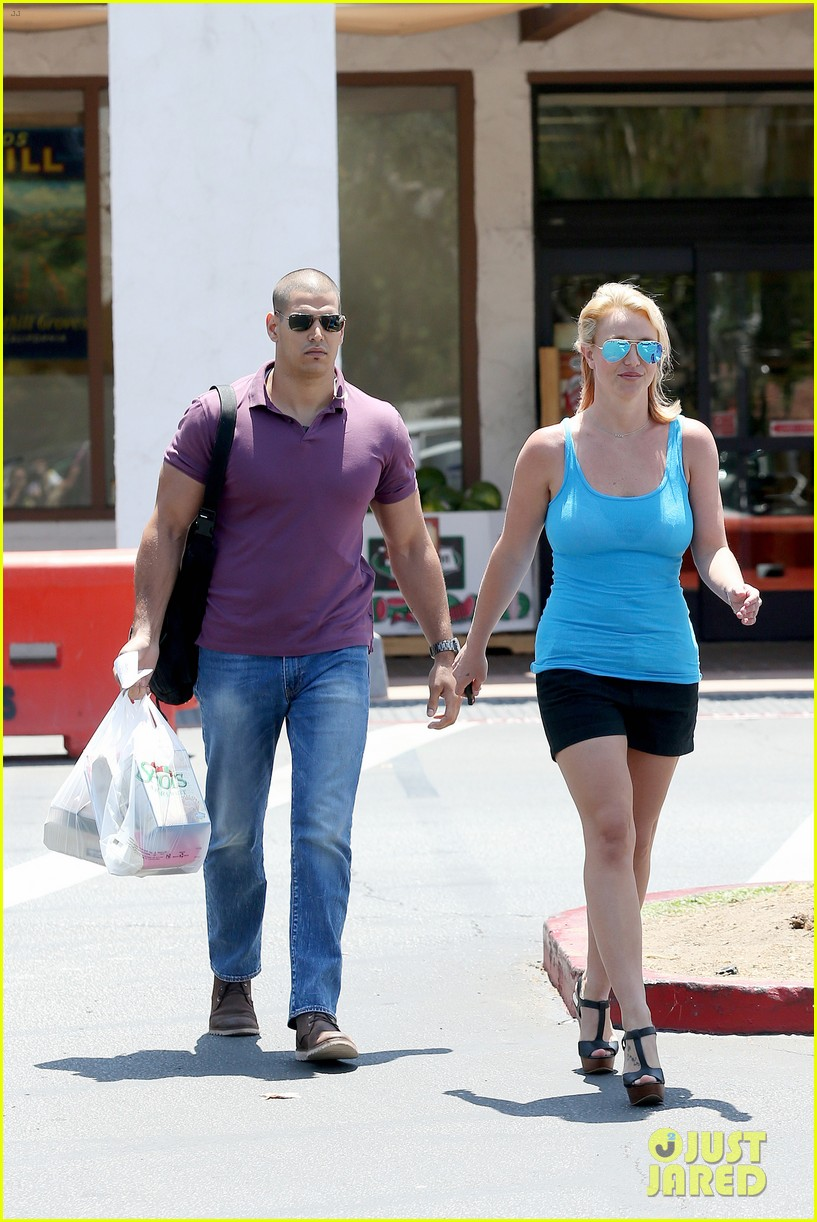 britney spears her boys are ready for summer 263143316