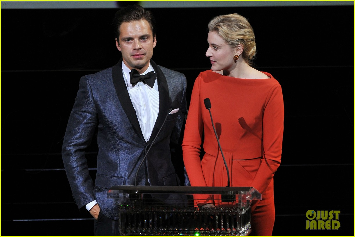 sebastian stan cdfa awards 2014 red carpet 11