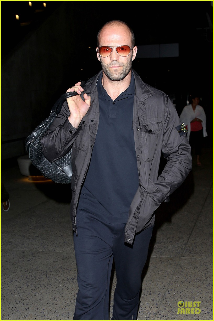 jason statham brings back barely anything to la 02