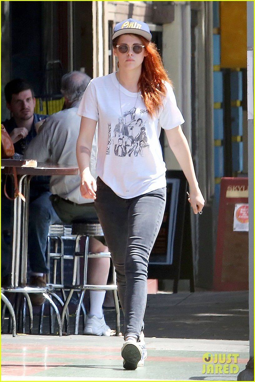 kristen stewart steps out solo on fathers day 033136642