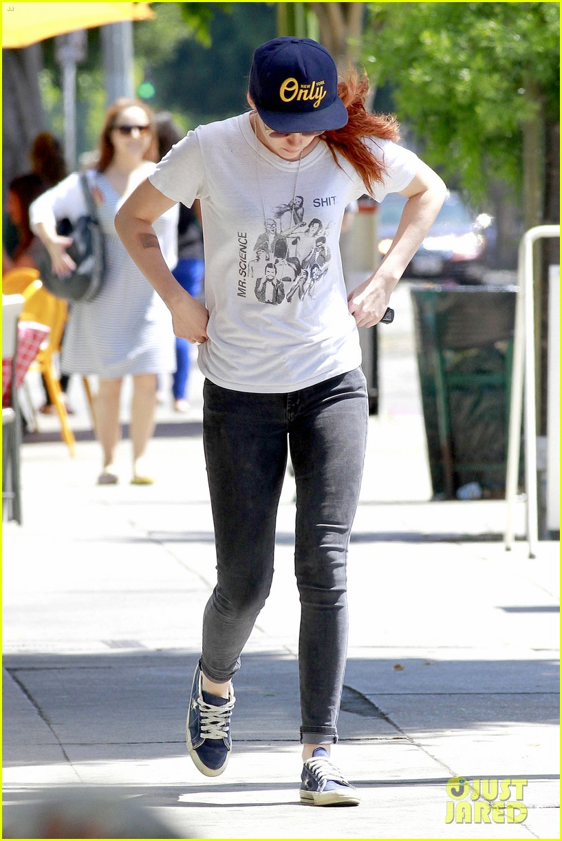 kristen stewart steps out solo on fathers day 053136644