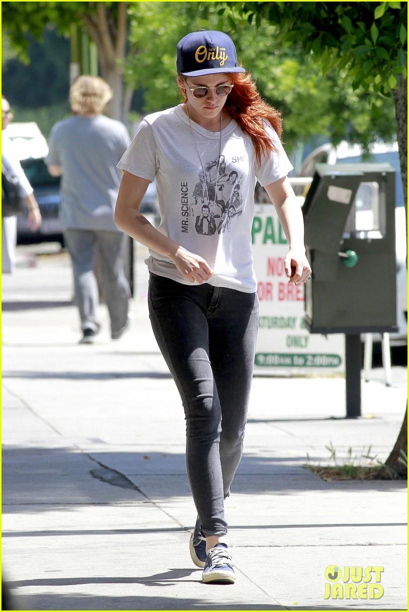 kristen stewart steps out solo on fathers day 143136653