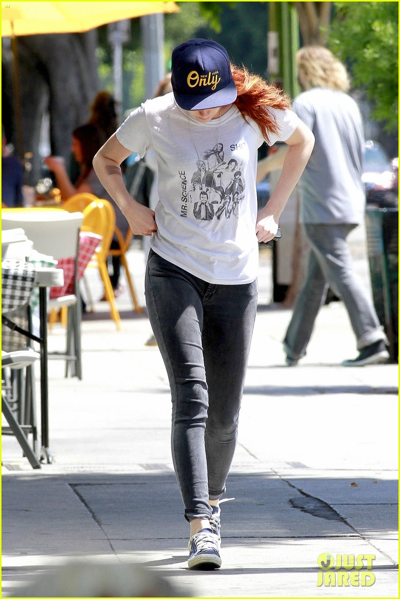 kristen stewart steps out solo on fathers day 233136662