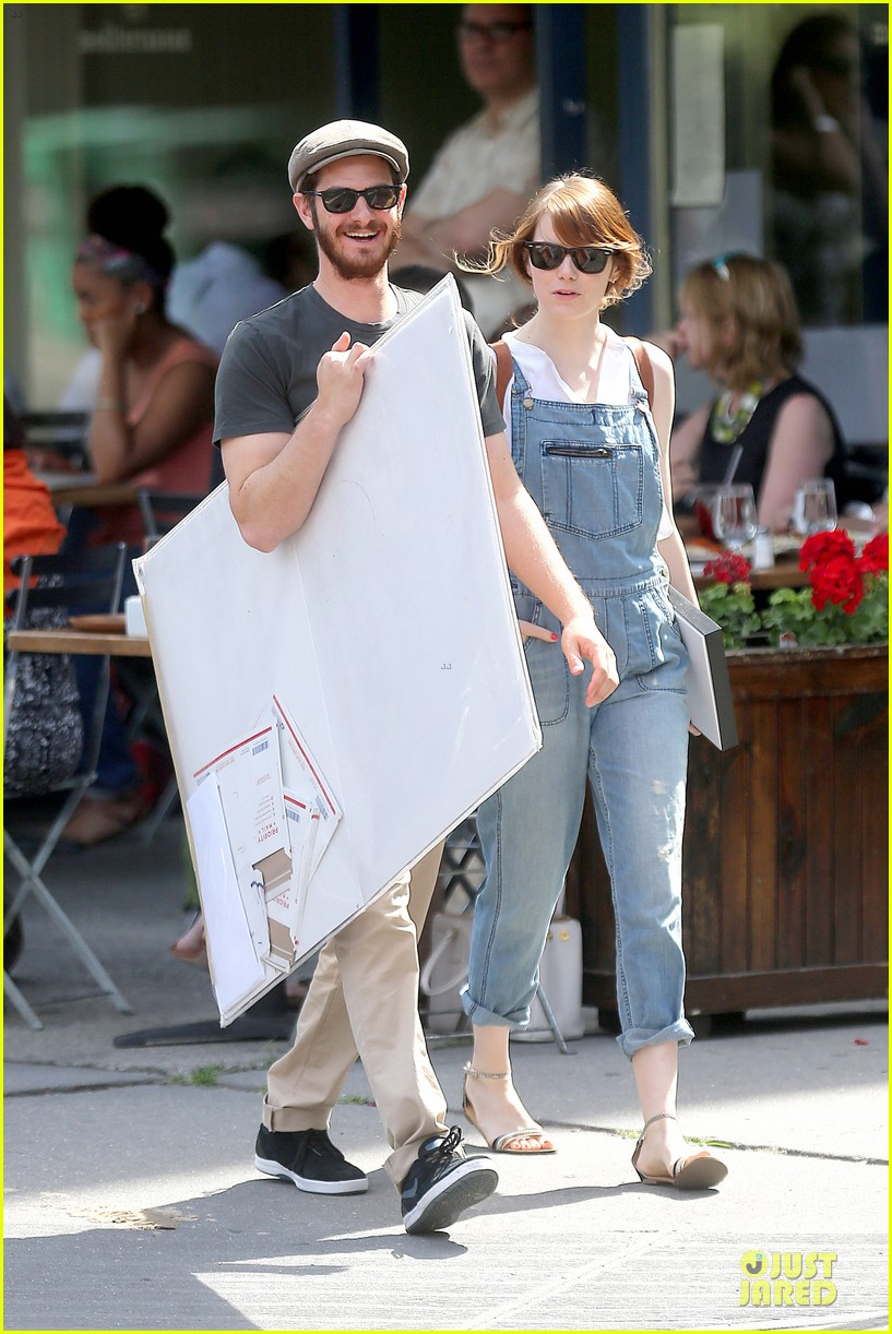 emma stone looks trendy in overalls andrew garfield 033140781