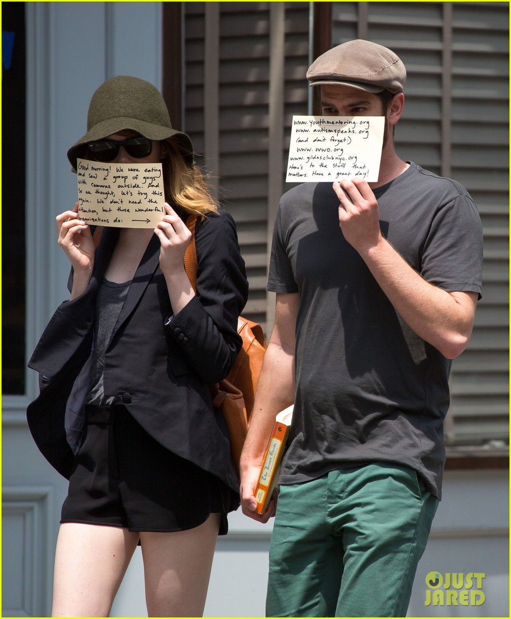 emma stone andrew garfield use signs to raise awareness 093137332