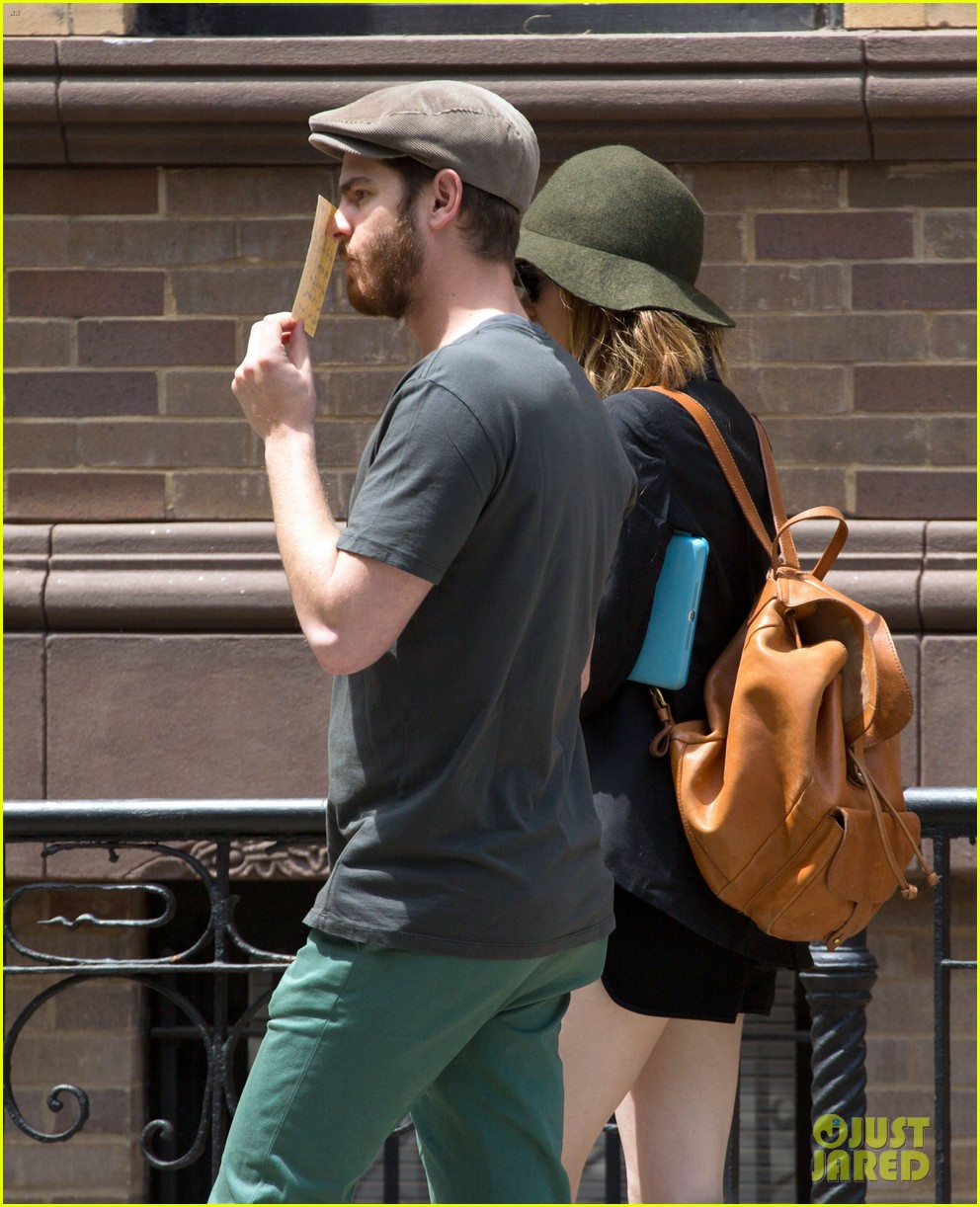 emma stone andrew garfield use signs to raise awareness 143137337