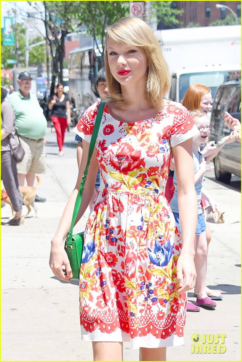 taylor swift wildflower dress young fans nyc 063140037