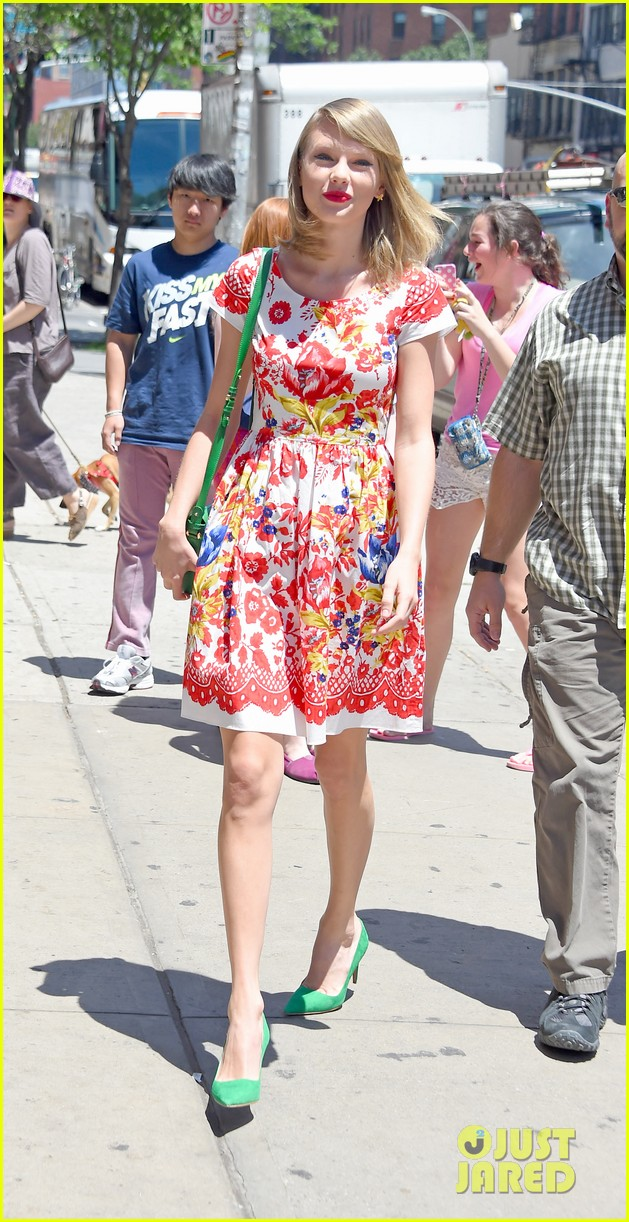 taylor swift wildflower dress young fans nyc 103140041
