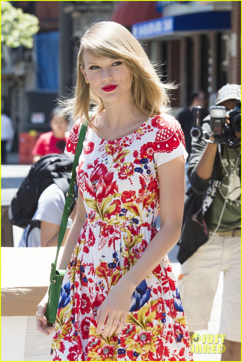 taylor swift wildflower dress young fans nyc 113140042