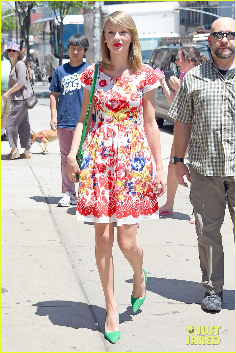 taylor swift wildflower dress young fans nyc 183140049