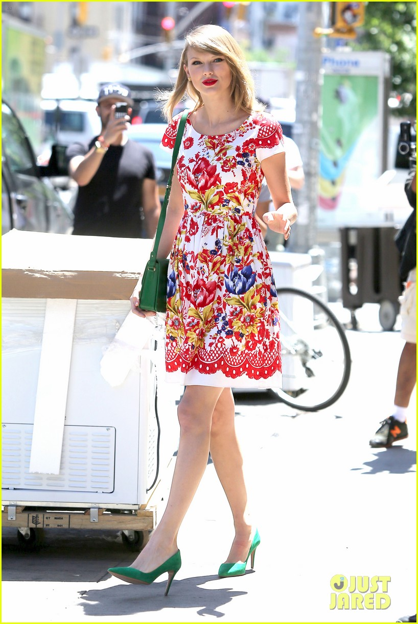 taylor swift wildflower dress young fans nyc 213140052