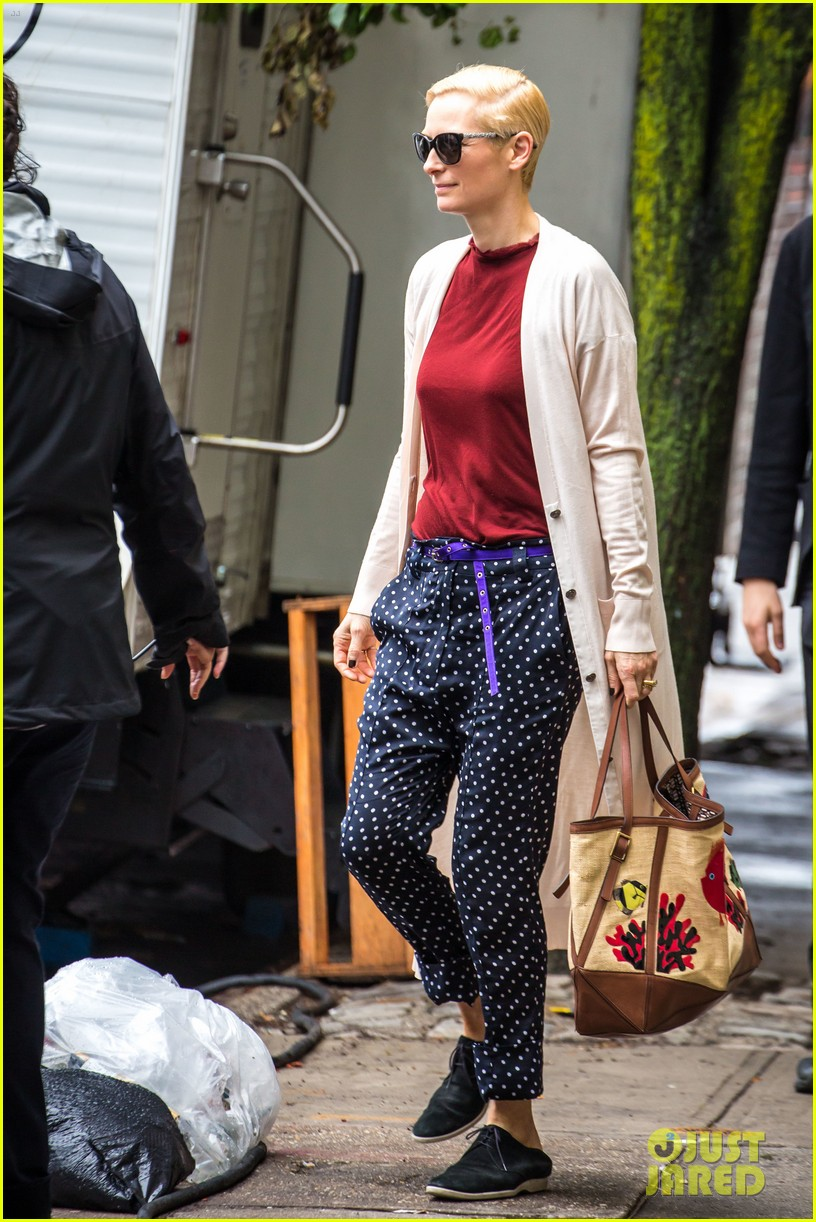 tilda swinton ditches her makeover for day out with sandro kopp 043132496
