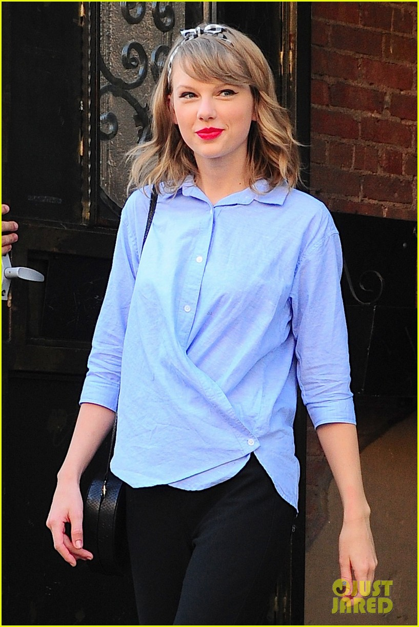 taylor swift bakes ina garten food network magazine 083137625