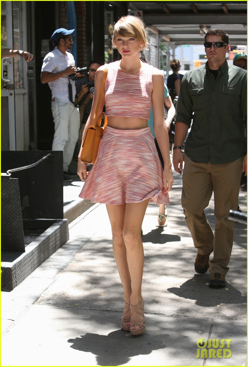 taylor swift ri home breakin midriff 033138242