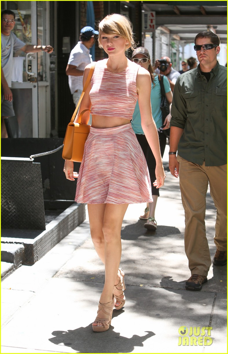 taylor swift ri home breakin midriff 083138247