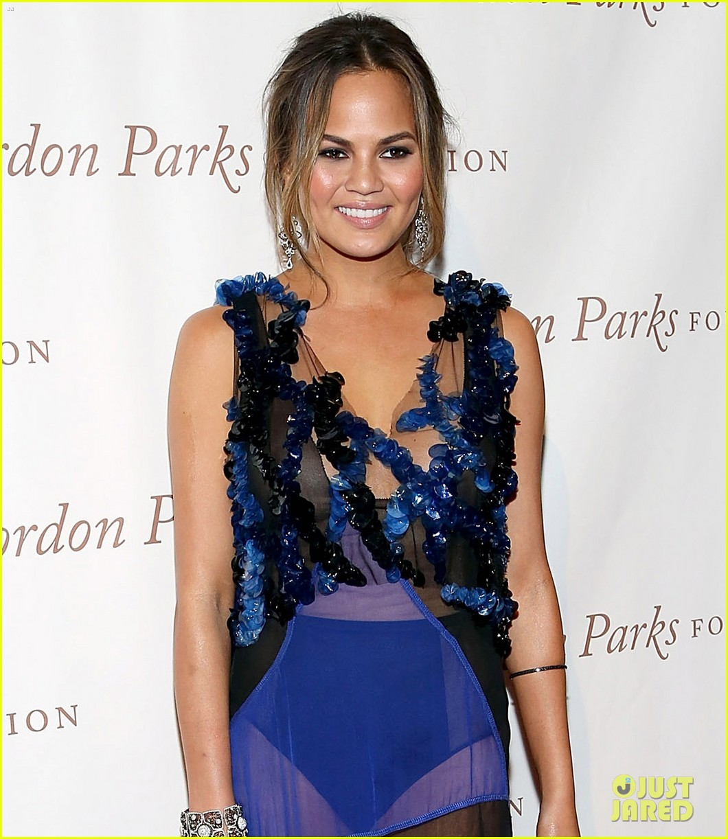 chrissy teigen alicia keys are dressed to the nines for gordon parks 02