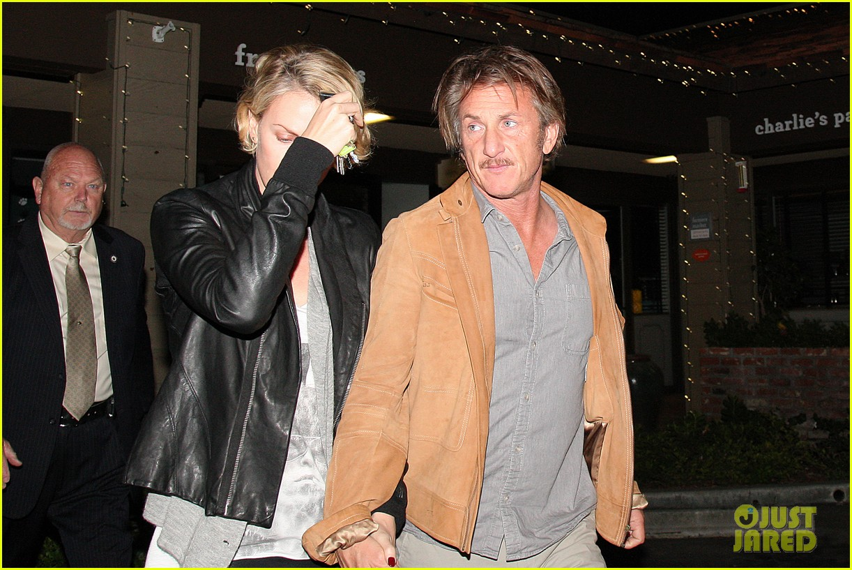charlize theron on dating sean penn its nice to not be single 013126545