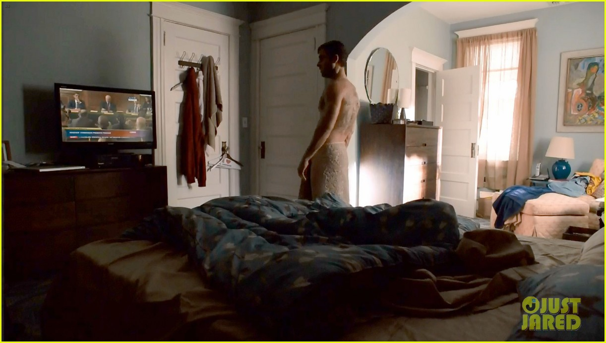 justin theroux shirtless the leftovers series premiere 083146759