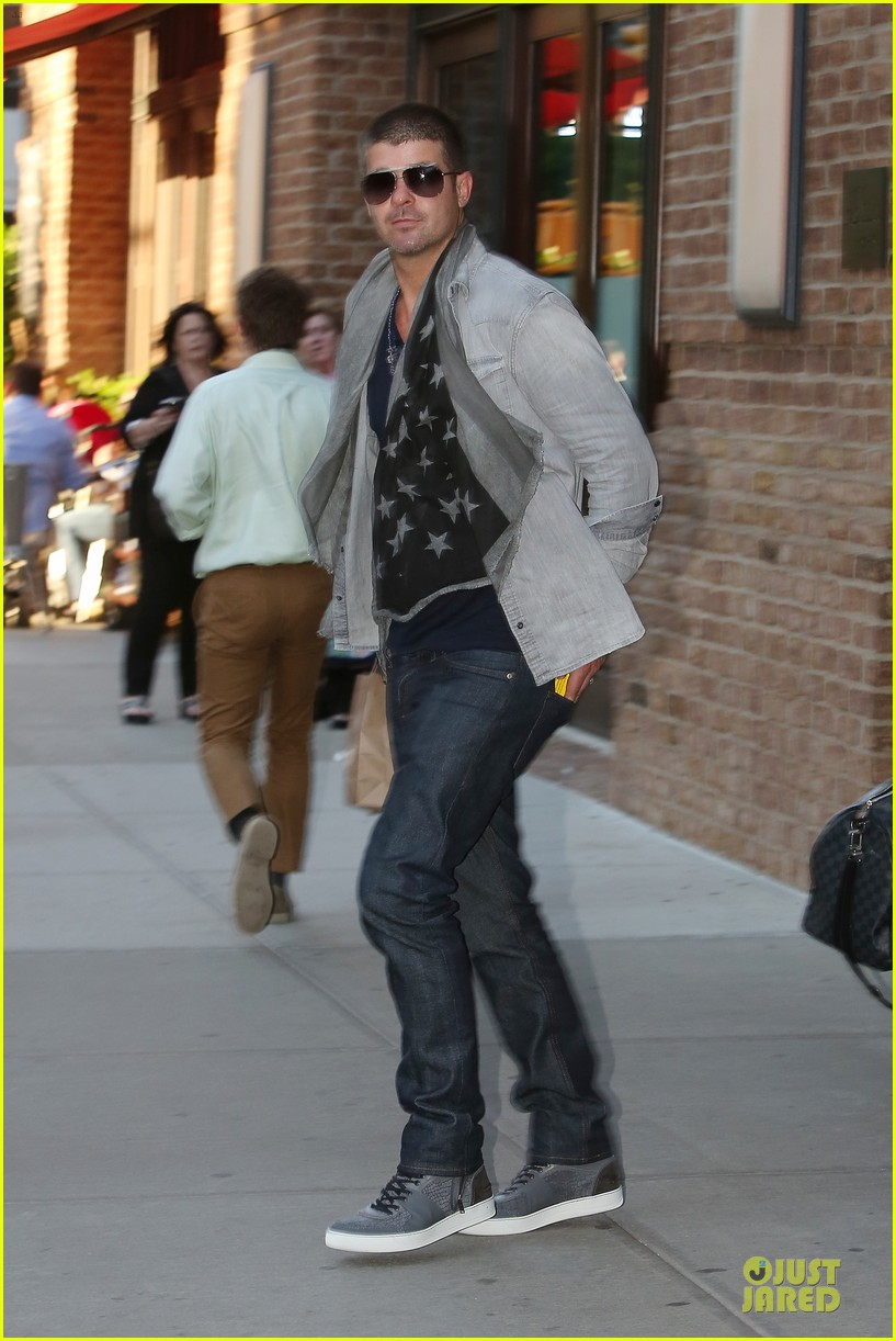 robin thicke pharrell williams support walmart 123130161