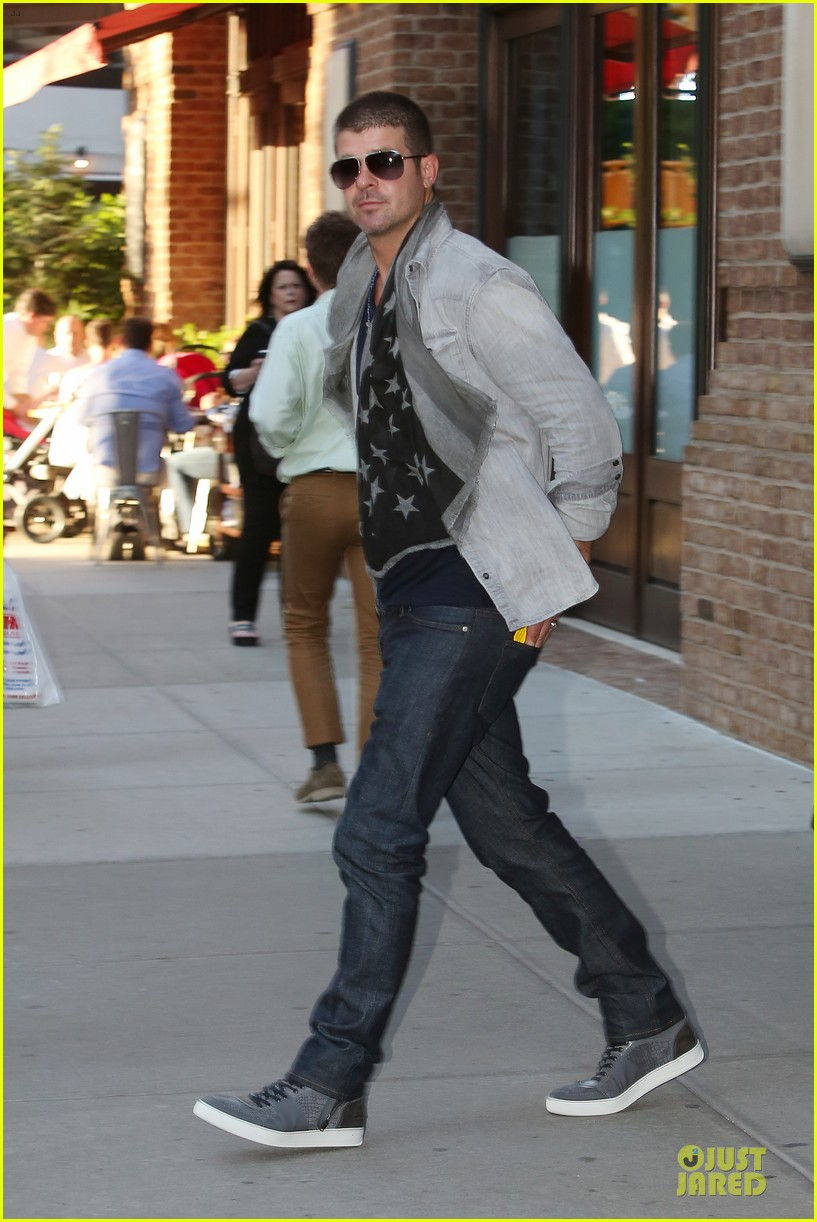 robin thicke pharrell williams support walmart 133130162