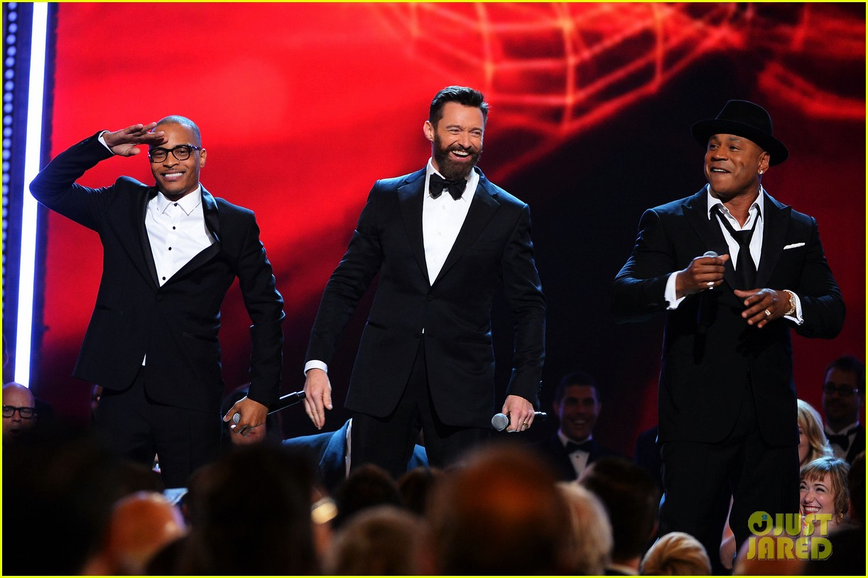 ti ll cool j rap with hugh jackman at tony awards 2014 video 02