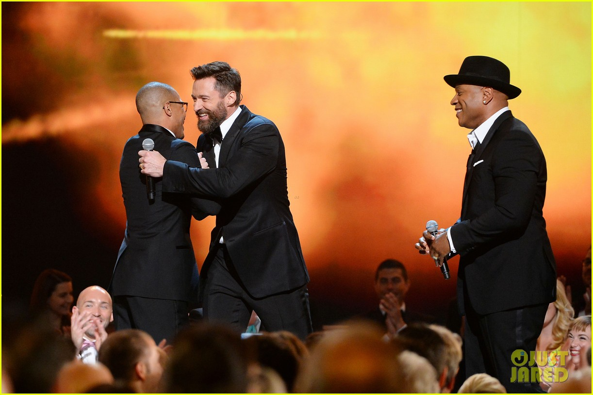 ti ll cool j rap with hugh jackman at tony awards 2014 video 033131402