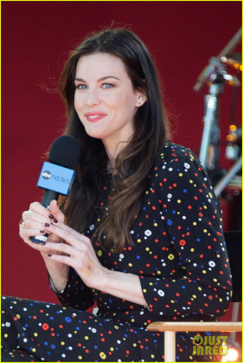 liv tyler shares beauty tips she learned from her dad 173140958