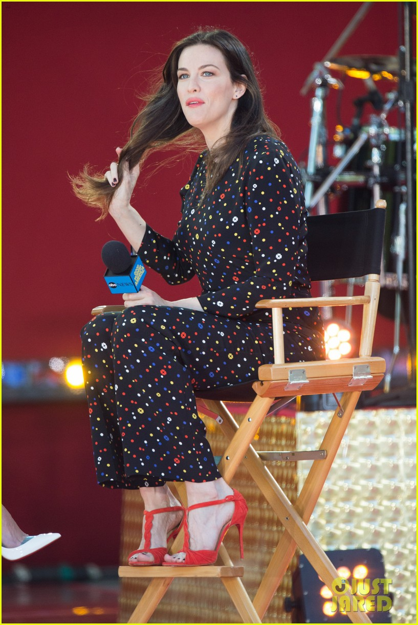 liv tyler shares beauty tips she learned from her dad 183140959